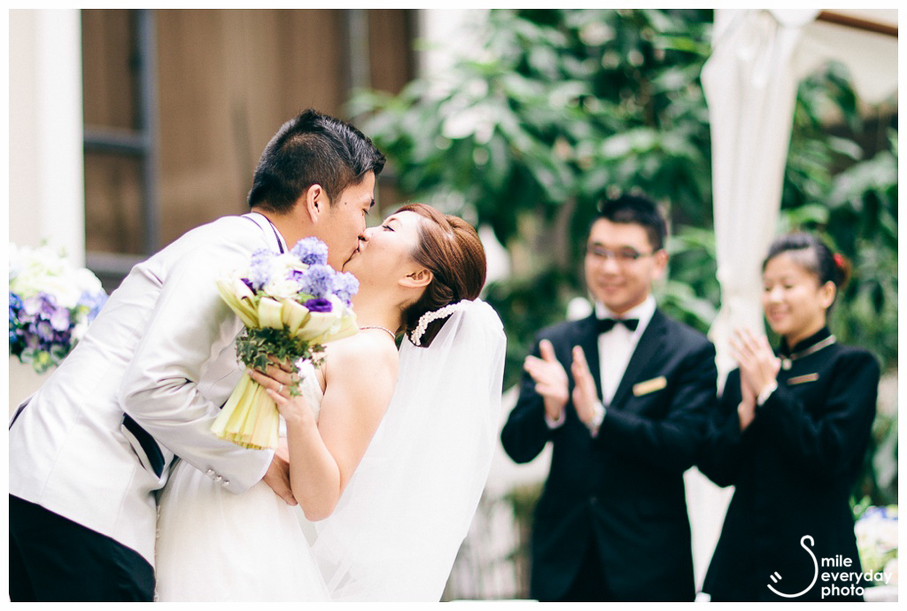 La Terrace Regal Kowloon Hotel wedding photos by smile everyday photo